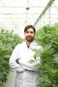 Sebastien Beguerie, Alpha-cat Founder in his greenhouse's client
