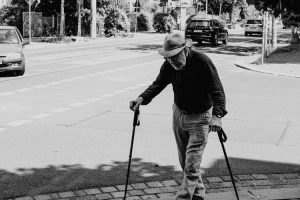 Read more about the article 5 Reasons Why Seniors Are Using CBD For Their Health